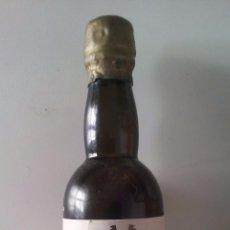 Coleccionismo de vinos y licores: BOTELLITA MONTILLA - MUNDA - MIGUEL VELASCO CHACON SIN ABRIR. Lote 52934943