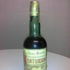 Coleccionismo de vinos y licores: BOTELLA ANTIGUA DE BRANDY CENTURION PALOMINO VERGARA PRECINTO DE 80 OCHENTA CENTIMOS PERFACTA. Lote 53291084