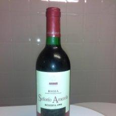 Coleccionismo de vinos y licores: ANTIGUA BOTELLA DE VINO PARA BEBER O COLECCION SEÑORIO AMEZOLA RESERVA 1990 TORREMOLTALBO RIOJA. Lote 53291387