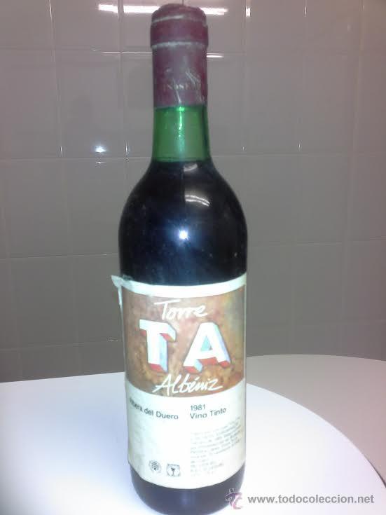 ANTIGUA BOTELLA DE VINO TORRE ALBENIZ RIBERA DE DUERO AÑO 1981 TORREMILANOS ARANDA DE DUERO (Coleccionismo - Botellas y Bebidas - Vinos, Licores y Aguardientes)