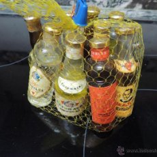 Coleccionismo de vinos y licores: BOLSA CON 10 MINI BOTELLAS. Lote 53324438