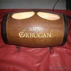 Coleccionismo de vinos y licores: TONEL EXPOSITOR CON LUZ DE RON ORBUCÁN PUERTO RICO (BACARDI). Lote 54982271