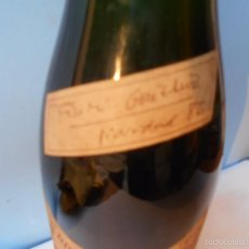 Coleccionismo de vinos y licores: BOTELLA DE CAVA, BODEGUILLA DE LA MONCLOA, FIRMA DEL PRESIDENTE DEL GOBIERNO, FELIPE GONZALEZ. Lote 55402536
