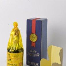 Coleccionismo de vinos y licores: ANTIGUA BOTELLA BRANDY OSBORNE INDEPENDENCIA, PRECINTO 80 CÉNTIMOS,CONSERVACIÓN OPTIMA.. Lote 55693561