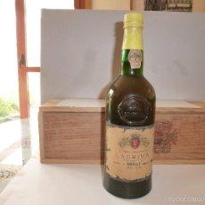 Coleccionismo de vinos y licores: BOTELLA VINHO DO PORTO LAGRIMA BRANCO PALHA QUINTA DO NOVAL MAS DE 60 AÑOS Nº CULO BOTELLA VER FOTOS. Lote 56027923