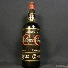 Coleccionismo de vinos y licores: BOTELLA R. CRUZ CONDE MONTILLA MARCA REGISTRADA CORDOBA MERCEDES OLOROSO 1870 30,5X9CMS. Lote 56897053