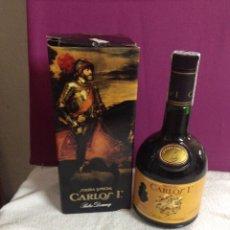 Coleccionismo de vinos y licores: BOTELLA BRANDY CARLOS I SOLERA ESPECIAL PEDRO DOMECQ CAJA ORIGINAL SELLO 8 PTS. Lote 57155544