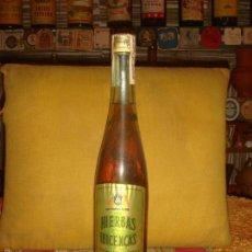 """Coleccionismo de vinos y licores: ANTIGUA BOTELLA AGUARDIENTE """"HIERBAS IBICENCAS"""". LLENA Y SIN ABRIR. PRECINTO 4 PTS.TAPÓN ROSCA.C1970. Lote 57228032"""
