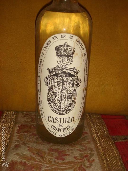 """Coleccionismo de vinos y licores: ANTIGUA BOTELLA""""ANIS CASTILLO DE CHINCHON DULCE"""". Llena y sin abrir.Rosca. Precinto 4Pts. 1l.C1970 - Foto 2 - 57258998"""