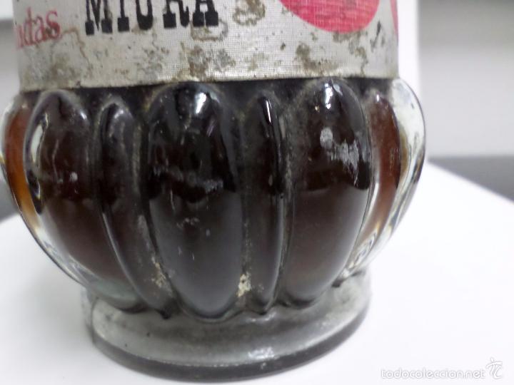 Coleccionismo de vinos y licores: BOTELLA LICOR DE GUINDAS MIURA - Foto 8 - 57326368