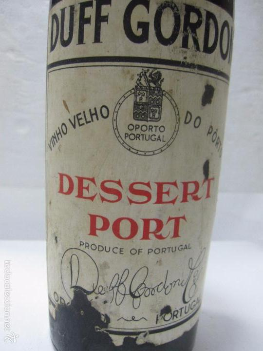 Coleccionismo de vinos y licores: BOTELLA DE VINO DESSERT PORT. DUFF GORDON. PORTUGAL. - Foto 2 - 57648806