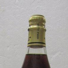 Coleccionismo de vinos y licores: BOTELLA DE CANA WINE. VIGNOBLES DES P.P. TRAPPISTES. LATROUN. ISRAEL.. Lote 57712378