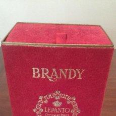 Coleccionismo de vinos y licores: BRANDY LEPANTO. PRECINTO DE 4 PESETAS. BOTELLA PRECINTADA. ESTUCHE ORIGINAL. INTACTA.. Lote 57895392