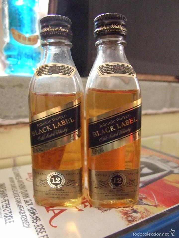 BOTELLIN COLECCION - JOHNNIE WALKER BLACK LABEL 12 AÑOS - CRISTAL BUEN ESTADO PRECINTADA (Coleccionismo - Botellas y Bebidas - Vinos, Licores y Aguardientes)
