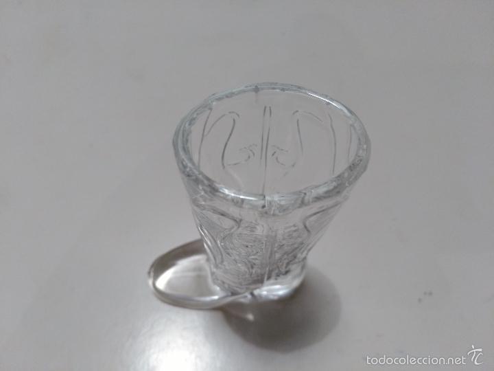 Coleccionismo de vinos y licores: Vaso de chupito de cristal en forma de bota. - Foto 4 - 58302237