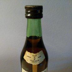 Coleccionismo de vinos y licores: BOTELLIN DE BRANDY IMPERIAL 5 AÑOS TORRES.. Lote 58583548