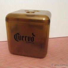 Coleccionismo de vinos y licores: GRAN CUBITERA TEQUILA CUERVO , 25X25X26 CM.. Lote 60015279