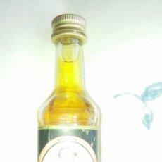 Coleccionismo de vinos y licores: ANTIGUO BOTELLIN DE RON NEGRITA. Lote 60200619