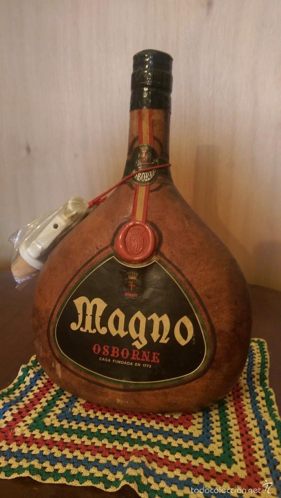 BOTELLA PIEL BRANDY MAGNO OSBORNE (Coleccionismo - Botellas y Bebidas - Vinos, Licores y Aguardientes)