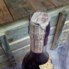 Coleccionismo de vinos y licores: ANTIGUA BOTELLA BRANDY FELIPE II, SOLERA ESPECIAL 1 LITRO. PRECINTO DE IMPUESTO (4 PTAS). Lote 60815875