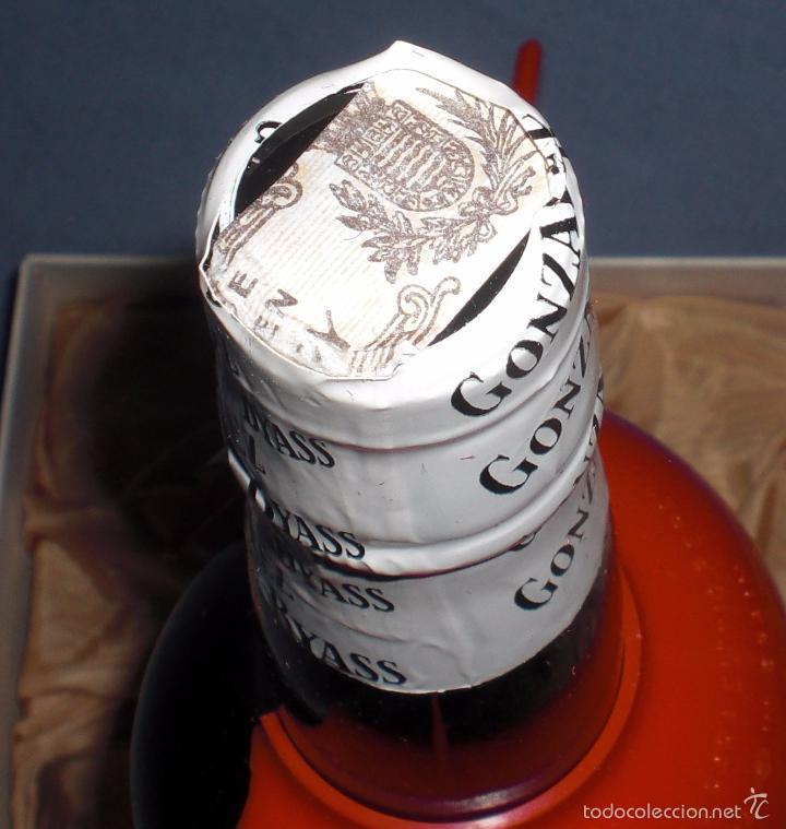 Coleccionismo de vinos y licores: Tio Pepe Gonzalez Byass, caja de lujo años 60 Sin Usar - Foto 3 - 60868915