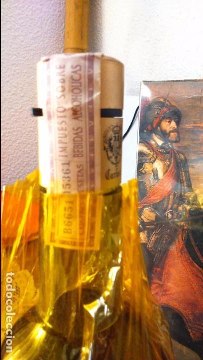 Coleccionismo de vinos y licores: Botella de brandy solera especial carlos I, precinto 4 pts - Foto 2 - 61970740
