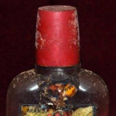 Coleccionismo de vinos y licores: PETACA DE BRANDY TRES COSACOS. ALTAMS. DESTILERIAS ALTIMIRAS. Lote 65740950