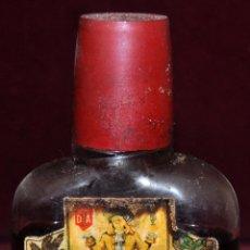 Coleccionismo de vinos y licores: ANTIGUA PETACA DE CREMA DE CACAO. ALTAMS. DESTILERIAS ALTIMIRAS. Lote 65746378