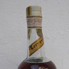 Coleccionismo de vinos y licores: INEDITA! GRAN BOTELLA DESTILERIAS TERRAVILL VALENCIA CREMA TAMAÑO GRANDE NUNCA VISTO SELLADA!. Lote 66034690