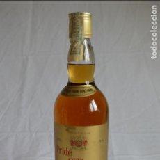 Coleccionismo de vinos y licores: RARA Y ANTIGUA BOTELLA DE WHISKY PRIDE O'THE GLEN. FINEST OLD SCOTCH WHISKY. ROMANJUGUETESYMAS.. Lote 68511593