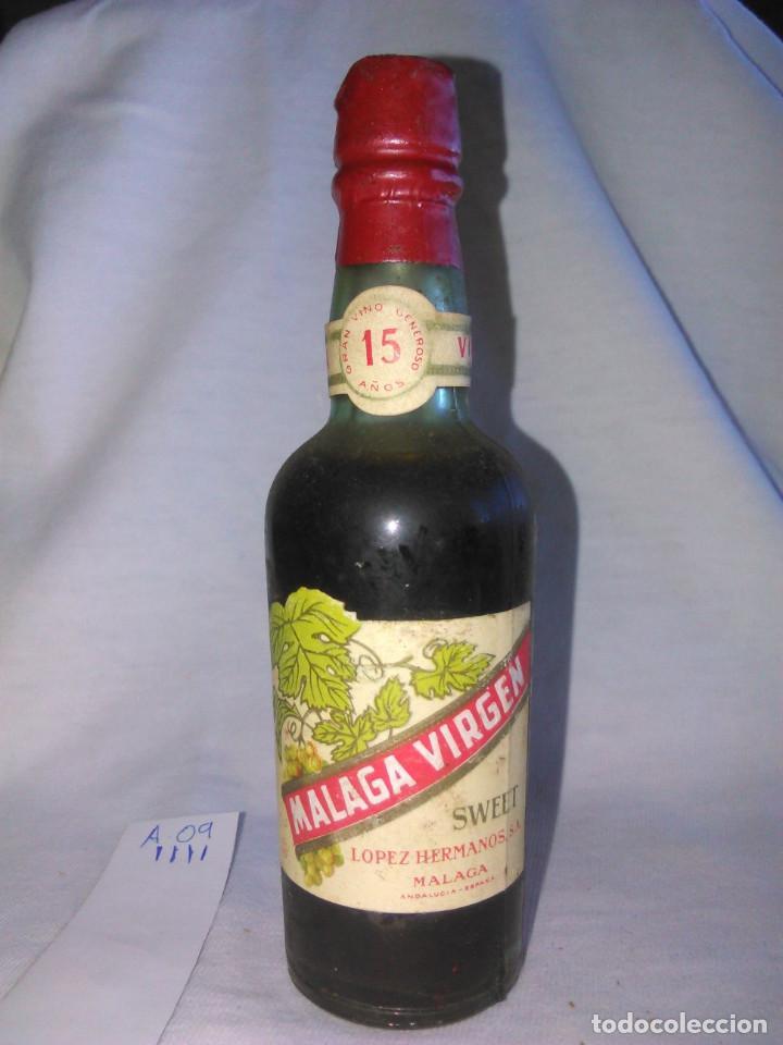 BOTELLÍN. MÁLAGA VIRGEN SWEET. DULCE. LÓPEZ HERMANOS, S.A. BOTELLA PEQUEÑA ANTIGUA. SA. A0905. (Coleccionismo - Botellas y Bebidas - Vinos, Licores y Aguardientes)