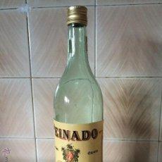 Coleccionismo de vinos y licores: ANTIGUA BOTELLA DE BRANDY PEINADO.VACIA. Lote 51114163