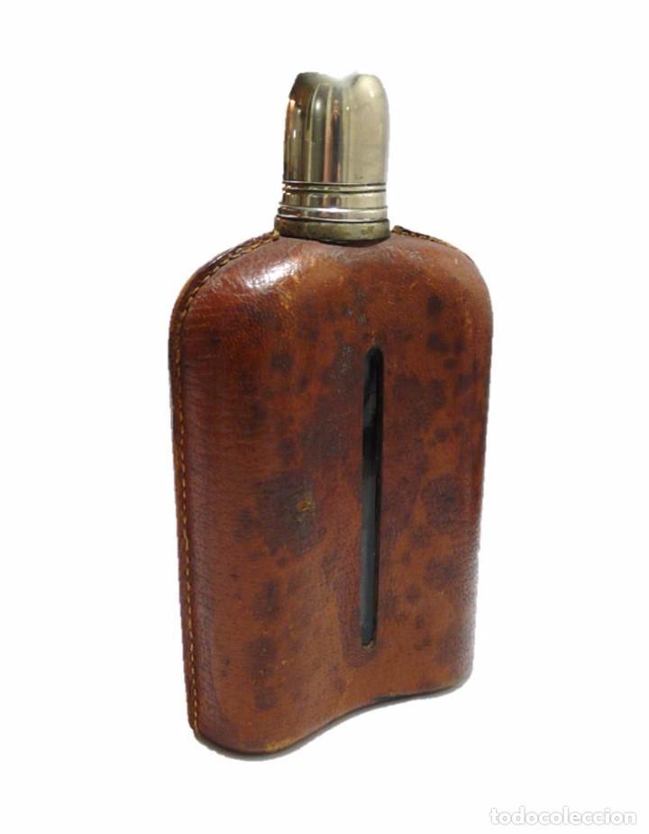Coleccionismo de vinos y licores: Antigua petaca vidrio,cuero y metal cromado- Mediados S.XX - Foto 2 - 71689547