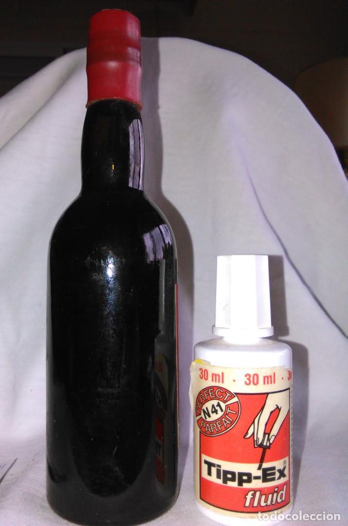 Coleccionismo de vinos y licores: Botellín de vino oloroso Machuca de Estepa. EMB 2494. Botella antigua en miniatura. A1425. - Foto 4 - 75132091