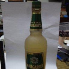 Coleccionismo de vinos y licores: ANTIGUA BOTELLA MARGARITA TEQUILA COCTAIL HECHO EN MEXICO - LA MADRILEÑA,S.A ALTURA 33CM. Lote 76209279
