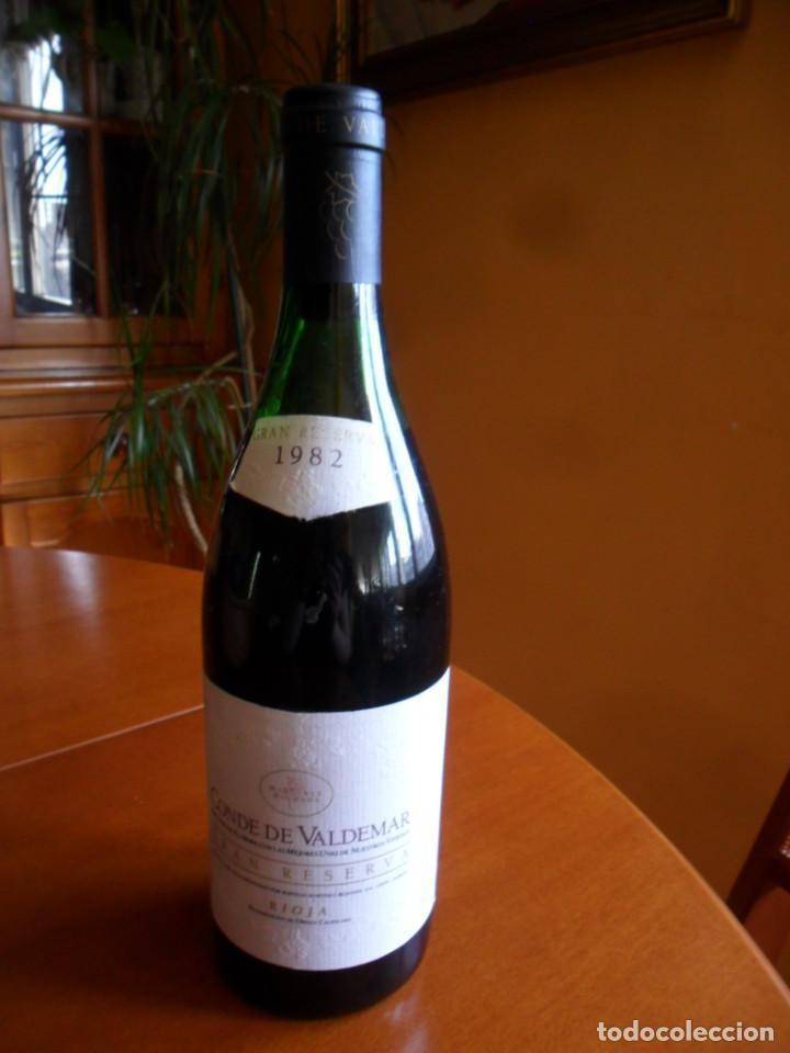 Coleccionismo de vinos y licores: BOTELLA DE VINO RIOJA CONDE DE VALDEMAR GRAN RESERVA COSECHA DE 1982 - MARTINEZ BUJANDA - Foto 2 - 78513333