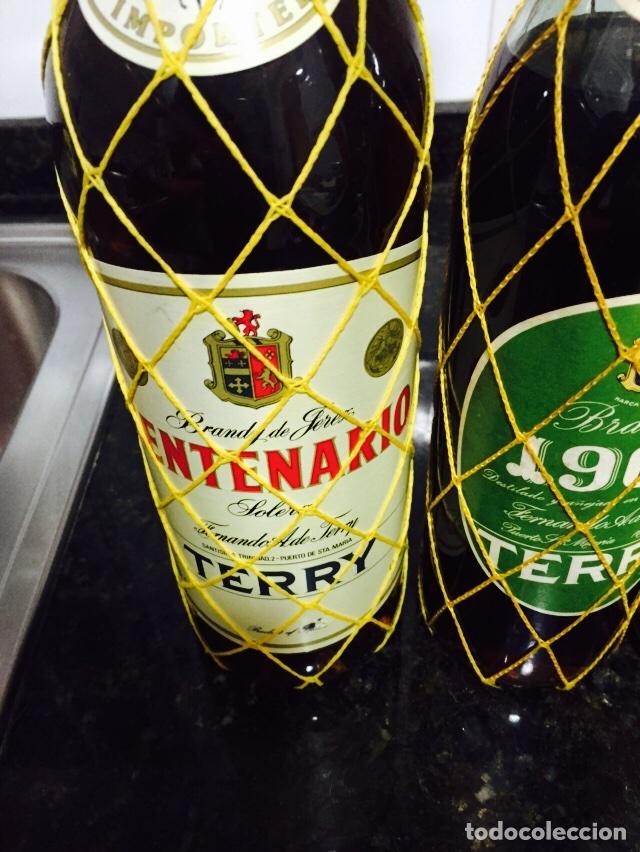 Coleccionismo de vinos y licores: Lote de 3 botellas de brandi - Foto 3 - 80044794