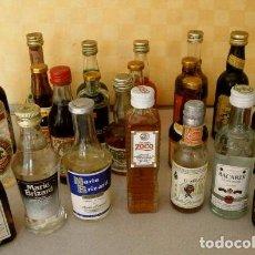 Coleccionismo de vinos y licores: LOTE DE 22 ANTIGUOS BOTELLINES DE LICORES VARIADOS. Lote 53840562