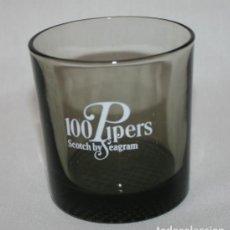 Coleccionismo de vinos y licores: VASO VINTAGE DE GRUESO CRISTAL WHISKY 100 PIPERS. Lote 84370420