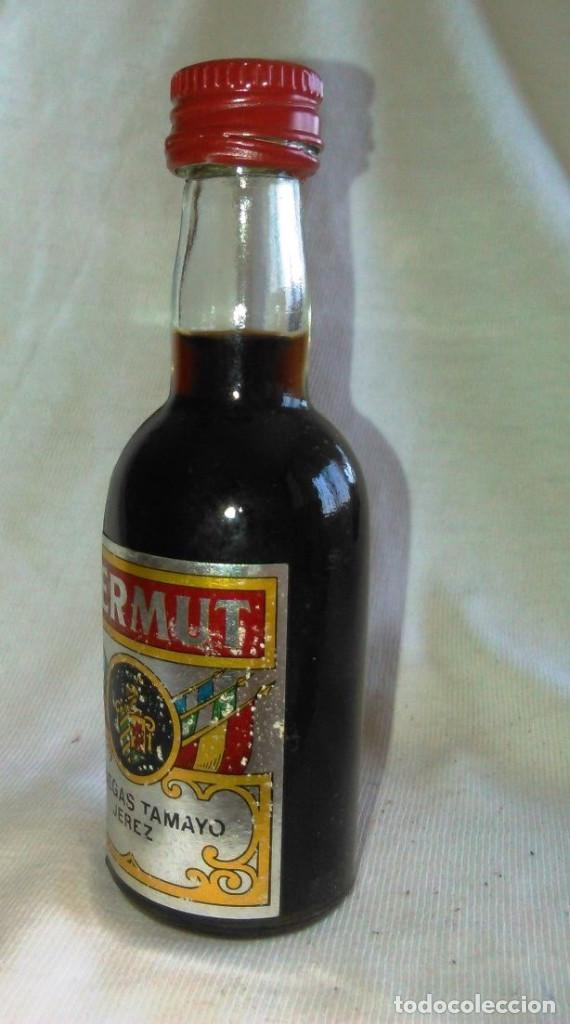 Coleccionismo de vinos y licores: Botellin de Vermut, Bodegas Tamayo Jerez. Botellita antigua, botella en miniatura. Antiguo. A8228. - Foto 3 - 85795136