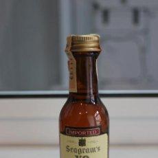 Coleccionismo de vinos y licores: BOTELLIN DE WHISKY SEAGRAM'S V. O. CANADIAN. DESTILERÍAS JOSEPH E. SEAGRAM & SONS LTD. CANADA.. Lote 86452992