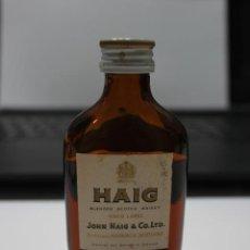 Coleccionismo de vinos y licores: BOTELLIN DE WHISKY ESCOCES HAIG. DESTILERIAS JOHN HAIG & CO. LTD. ESCOCIA. 10 CMS. Lote 86964512