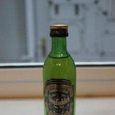 Coleccionismo de vinos y licores: BOTELLIN DE WHISKY ESCOCES GLENFIDDICH. DESTILERIAS WILLIAM GRANT´S & SONS. BANFESHIRE, ESCOCIA. . Lote 87617308