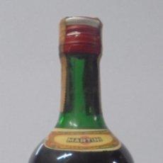 Coleccionismo de vinos y licores: BOTELLA DE ELIXIR DI CHINA. AROMATICO. MARTINI & ROSSI. TORINO. BARCELONA - MADRID. 30,5CM ALTO.. Lote 89344912