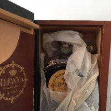 Coleccionismo de vinos y licores: BOTELLA BRANDY LEPANTO - GONZALEZ BYASS- PRECINTADA Y CON ESTUCHE. Lote 91741935