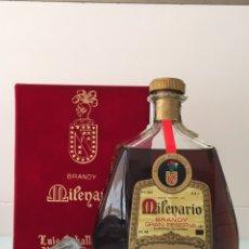 Coleccionismo de vinos y licores: BOTELLA ANTIGUA DE BRANDY MILENARIO- CABALLERO - PUERTO DE SANTA MARÍA. Lote 91814844