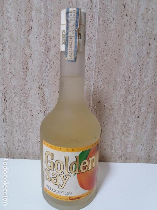BOTELLA GOLDEN SAY MELOCOTON CALISAY, ARENYS DE MAR, LIGHT FRUITS (Coleccionismos - Vinos, Licores y Aguardientes)