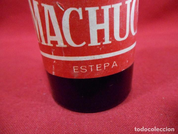 Coleccionismo de vinos y licores: ANTIGUA MINIATURA DE BOTELLA DE VINO - OLOROSO MACHUCA - ESTEPA. - Foto 3 - 96990771