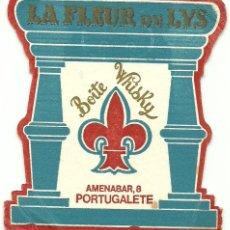 Coleccionismo de vinos y licores: ANTIGUO Y RARO POSAVASOS BOITE WHISKY LA FLEUR DE LYS - PORTUGALETE . Lote 97274483