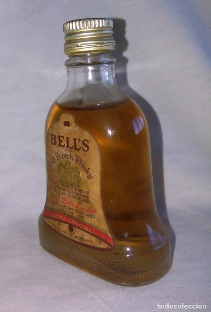 Coleccionismo de vinos y licores: Botellin de Bell's and Sons LTD, old scotch whisky extra special, Scotland, botellita. A8802. - Foto 3 - 98185891